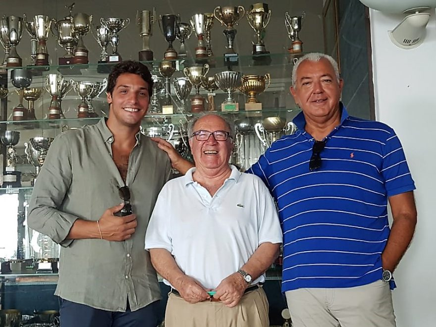 Paride Saccoia firma 2018-2019 con Semeraro e Gigi Massimo Esposito