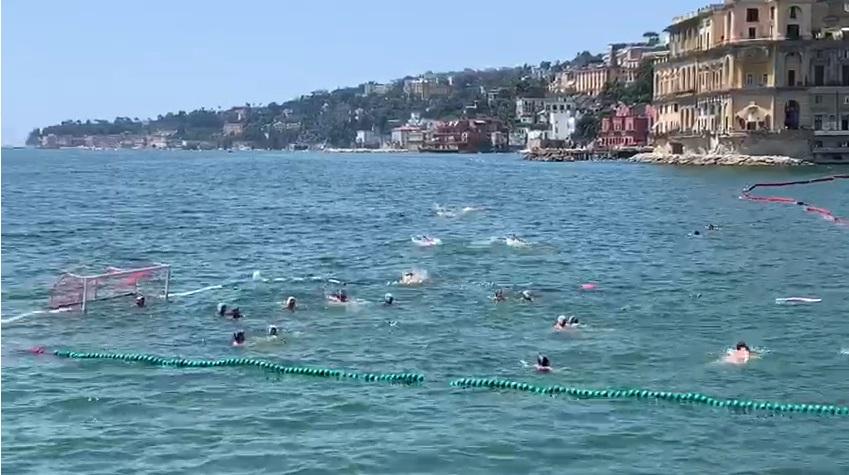 Campo pallanuoto a mare