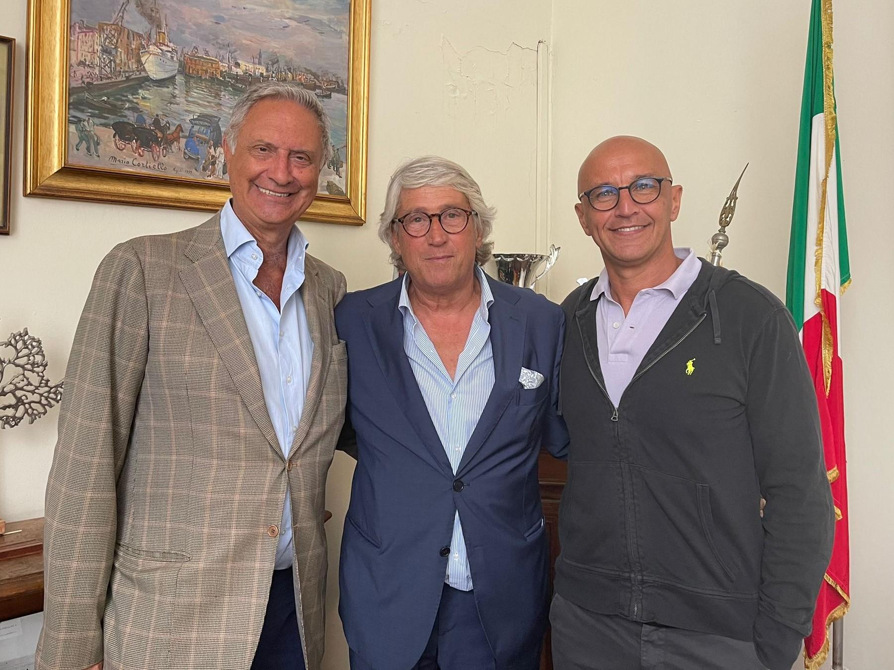 il vicepresidente amministratico Rivieccio, il prsidente Parisio e il vicepresidente sportivo Di Martire